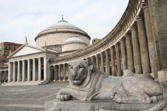leone-piazza-plebiscito